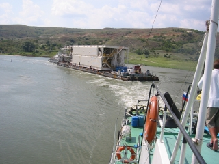 The transit Agency, towing on the Caspian sea